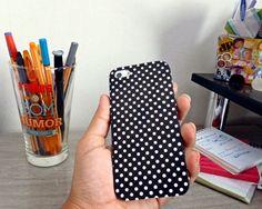 Confira nesse post como customizar capinha de celular/smartphone de um jeito fácil usando papel Contact. Faça essa customização e deixe o aparelho com seu