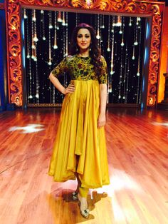 Sonali Bendre Behl as a judge of the reality show 'India's Best Drameebaaz 2' in a Jayanthi Reddy ensemble. STYLIST: Shreya Anand