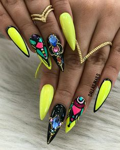 Nail art is a very popular trend these days and every woman you meet seems to have beautiful nails. It used to be that women would just go get a manicure or pedicure to get their nails trimmed and shaped with just a few coats of plain nail polish. Glam Nails, Hot Nails, Stiletto Nails, Beauty Nails, Hair And Nails, Bling Nails, Beauty Makeup, Gorgeous Nails, Pretty Nails