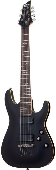 Schecter Demon Schecter Demon ABSN to kontynuacja niezwykle popularnego modelu Demon 7 STBLK, z nowym design Gitara 7 - strunowa Konstrukcja Bolt On Korpus wykonany z lipy Szyjka Klon Podstrunnica Palisander 24 progi typu Jumbo Markery w kształcie gotyckich krzyży Przetworniki w układzie HH Duncan Designed Active HB-105 Mostek Tune-O-Matic thru body Hardware Black Nikiel Kolor Satin Black