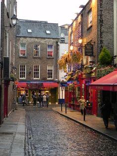 Cobblestone street ... Temple Bar area of Dublin, Ireland