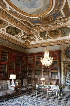 library of the Château de Vaux-le-Vicomte, Chantilly. Eric Masson