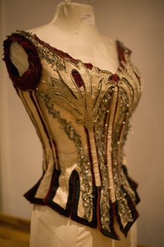 Beautiful bodice, customized to look like a Victorian circus costume. Image c. Kristy Mitchell Photography, 2010.