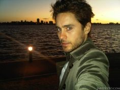 I think I need to change the name of this album to sexy men. =P Yes thats Jared Leto!
