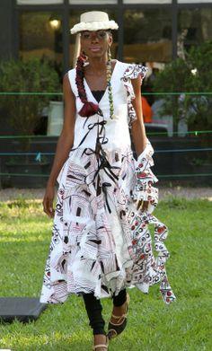 Stylist - Meni Mbugha for VIVVYA Model - Sarah Nz. Make-Up - Arlette M Photo Credits - SOKO SOKO Bazar / VIVVYA (by C. PEPIN)