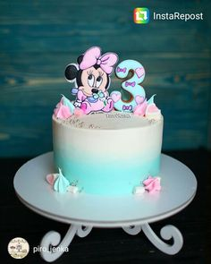 Ideas Cake Fondant Girl Minnie Mouse For 2019 Fondant Cupcakes, Fondant Girl, Fondant Cake Tutorial, Cupcake Cakes, Baby Shower Cupcakes For Girls, Baby Shower Desserts, Girl Cupcakes, Birthday Cupcakes, Bolo Minnie
