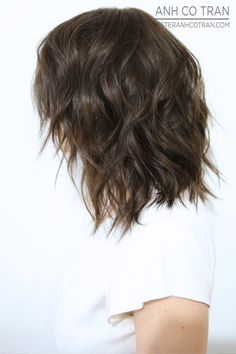 66 Chic Short Bob Hairstyles & Haircuts for Women in 2019 - Hairstyles Trends Shaggy Bob Hairstyles, Short Shaggy Haircuts, Hairstyles Haircuts, Pretty Hairstyles, Bob Haircuts, Medium Hair Styles, Short Hair Styles, Short Hair Bun, Pelo Bob