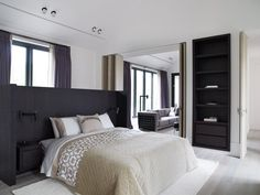 For the 'Asia Residential Resort' located in the Oak Valley, the architect Piet Boon was commissioned to design and furnish a private residence. Top Interior Designers, Modern Interior, Bed Furniture, Furniture Design, Small Bedroom Designs, Bedroom Sets, Bedrooms, Master Bedroom, Bedroom Inspo