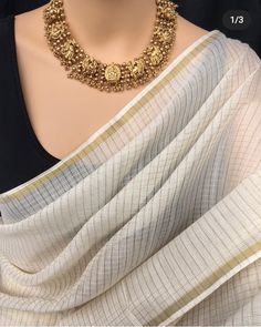 Sari Blouse Designs, Dress Neck Designs, Trendy Sarees, Stylish Sarees, Indian Dress Up, Indian Wear, Saree Accessories, Indian Designer Outfits, Indian Outfits