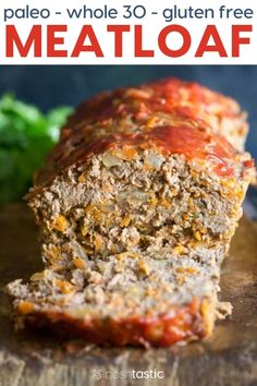 BEST Paleo Meatloaf recipe that's so easy to make and too!You can use turkey, beef, or pork and make Paleo meatloaf muffins. Gluten Free Meatloaf, Healthy Meatloaf, Easy Meatloaf, Whole 30 Meatloaf Recipe, Meatloaf Recipes, Whole30 Beef Recipes, Pork Recipes, Healthy Recipes