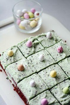 Pääsiäisbrowniet Easter Recipes, Easter Food, Yummy Cakes, Tuna, Oreo, Sweet Treats, Food And Drink, Sweets, Baking