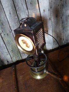 VENDU : #L005 :Lampe phare de calèche métal et laiton