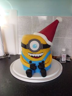 christmas minion cake