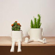 Petits pots de fleurs rigolos avec des jambes !