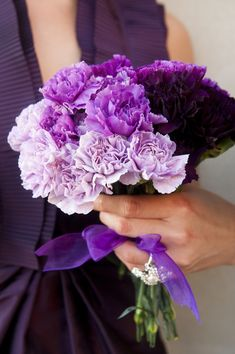Purple Ombre Wedding Bouquet|Photo: www.reesemooreweddings.com