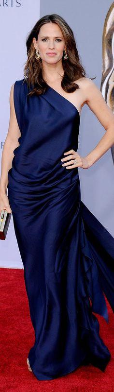 Red Carpet fashion dress #oneshoulder #navy