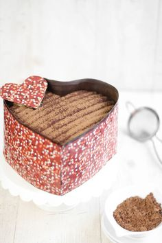 I don't think I'm talented enough to make this but it looks wonderful... Espresso-Biscoff Heart Cake