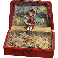 Rare original presentation box from Paris Department Store Au Bone Marche , it´s like a little bag from France around 1888 / 90 filled inside with