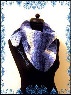 Crochet triangle scarf/shawl