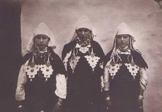 three Amazigh women from Tiznit/ Morocco, Making A pose for their picture.
