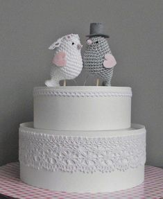 I will make this for Lori's wedding cake in the far future!  She is so excited about it!