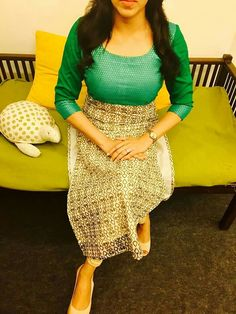 Salwar Neck Designs, Churidar Designs, Blouse Designs, Salwar Pattern, Kurta Patterns, Suit Fashion, Fashion Outfits, Indian Designer Suits, Pakistani Dresses
