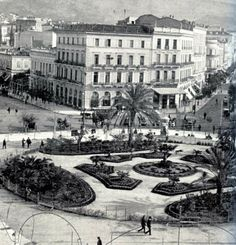1903 - Omonoia square in Athens, Attica Athens History, Greek History, Greece Photography, History Of Photography, Old Pictures, Old Photos, Places Around The World, Around The Worlds, Kai
