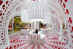 Pop-ups Jury Winner: LOUIS VUITTON – YAYOI KUSAMA's pop up store by MARC FORNES / THEVERYMANY in  Selfridges, London, United Kingdom, photo - Stephane Muratet