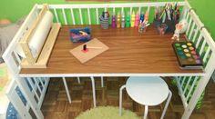 Un lit bébé qui devient un bureau d'enfant  #Gulliver #ikea
