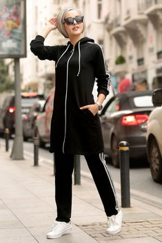 NEVA STYLE - BLACK HIJAB SUIT 2386S Hijab Casual, Casual Wear, Sports Hijab, Black Hijab, Kinds Of Clothes, Mode Hijab, Sporty Look, Muslim Women, Suits For Women