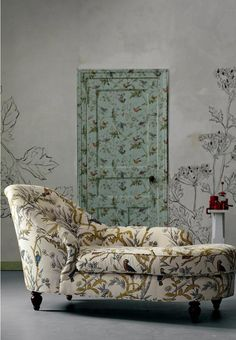 Wallpapered door (Vanuatu Twilight from Anthro) and pretty chaise longue. Wallpaper Door, Wallpaper Direct, Aqua Wallpaper, Wallpaper Patterns, Modern Wallpaper, Hollow Core Doors, Interior Decorating, Interior Design, Door Decorating