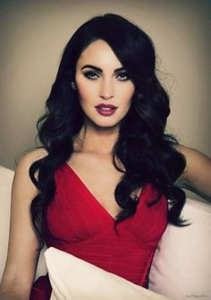 You can never go wrong with a deep black hair color! Love her makeup too