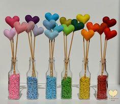 Corações em feltro.(www.jomatarazzoatelie.blogspot.com.br)