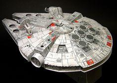 Falcon Millenium de papel  Información, planos, anécdotas y lo más importante, un modelo de papel de la chatarra espacial más famosa de Star...