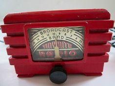 1940s Tiny Mite Bakelite Radio
