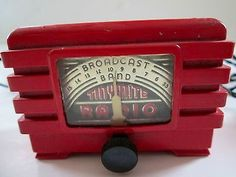 1940s Tiny Mite Bakelite Radio Edison Phonograph, Art Deco, Retro Radios, Old Time Radio, Cool Clocks, Antique Radio, Transistor Radio, Record Players, Music Radio