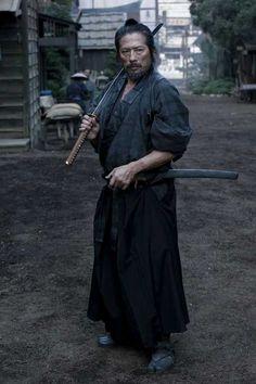Samurai - Hiroyuki Sanada black and white sketch samurai ninja Samurai Poses, Ronin Samurai, Samurai Swords, Samurai Warrior, Japanese Warrior, Japanese Sword, Human Poses Reference, Photo Reference, Japanese Culture