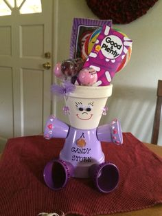 Candy Clay Pot Projects, Clay Pot Crafts, Diy Clay, Craft Projects, Flower Pot Art, Clay Flower Pots, Flower Pot Crafts, Flower Pot People, Clay Pot People