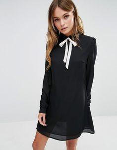 Vestido camisero con cuello anudado de Fashion Union