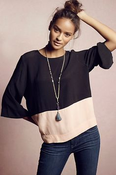 for the weekends: loose top, long necklace, skinny jeans & top bun