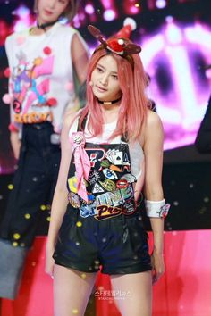 #EXID #Junghwa Hani, Exid Kpop, Exid Junghwa, I Miss U, Stage Outfits, Face And Body, Asian Beauty, Girl Group, Asian Girl