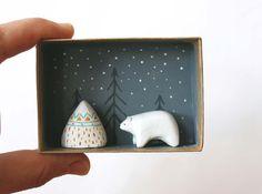 Animal miniature - Polar bear and mountain - 3D shadow box scene - Miniature landscape -  Holiday decor