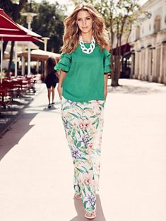 Shop Sweet Pea - White Floral Palazzo Pant. Find your perfect size online at the best price at New York & Company. Fashion For Women Over 40, Boho Fashion Over 40, Fall Outfits, Cute Outfits, Fashion Outfits, Womens Fashion, Summer Outfits, Green Top Outfit, Floral Palazzo Pants