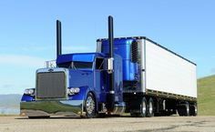 Semitrckn — Peterbilt custom 379 with matchin reefer Semi Trucks, Big Rig Trucks, Cool Trucks, Peterbilt 379, Peterbilt Trucks, Custom Big Rigs, Custom Trucks, Cummins, Badass