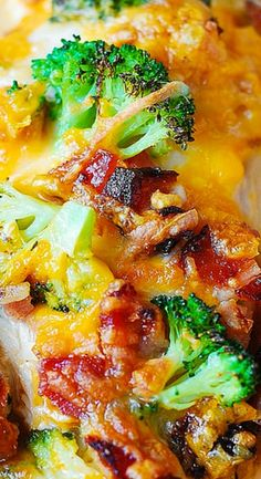 If you love chicken and bacon recipes (and who doesn't?), you will really enjoy this easy Broccoli Bacon Cheddar Chicken dinner. Just throw everything on top of chicken in casserole dish, and then bake in Turkey Recipes, Chicken Recipes, Dinner Recipes, Dinner Ideas, Dinner Entrees, Keto Chicken, Baked Chicken, Healthy Snacks, Healthy Eating