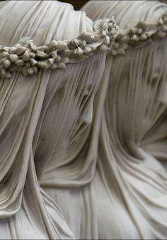 Vierges vestales, marble. Raffaelo Monti, 1847.  Figures voilées, Raffaelo Monti (1818–1881)