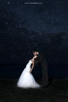 Just love by Toni Oprea Love Kiss, Just Love, Wedding Dresses, Kisses, Photo Ideas, Photography, Fashion, Bride Dresses, Shots Ideas