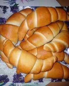 Hot Dog Buns, Hot Dogs, Brioche Bread, Ciabatta, Bakery, Cooking Recipes, Food, Hungary, Chef Recipes