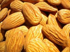 Despite their fat content and calories, almonds are actually an exceptional weight loss food. Here's why and a new snacking strategy for a thinner waistline Essential Oils Sinus, Cancer Screening Tests, California Almonds, Alcohol Is A Drug, Healthy Fruits, Healthy Eating, Health And Wellbeing, Nutritious Meals, Superfoods
