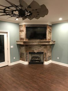 Kitchen Living Rooms Remodeling Barnwood - repurposed for angled wall fireplace. Kitchen Living Rooms Remodeling Barnwood - repurposed for angled wall fireplace. Up House, Cozy House, Farm House, Home Renovation, Home Remodeling, Kitchen Remodeling, Fireplace Wall, Fireplace Kitchen, Limestone Fireplace
